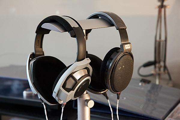 Woo - Woo headphone stand ...