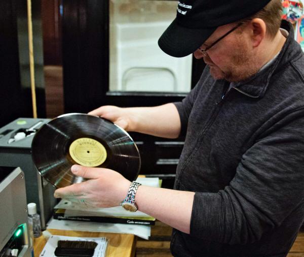David Burton the Record Genie