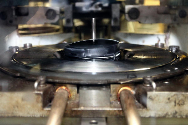 Audiophile Record Labels Its Record Label to Issue