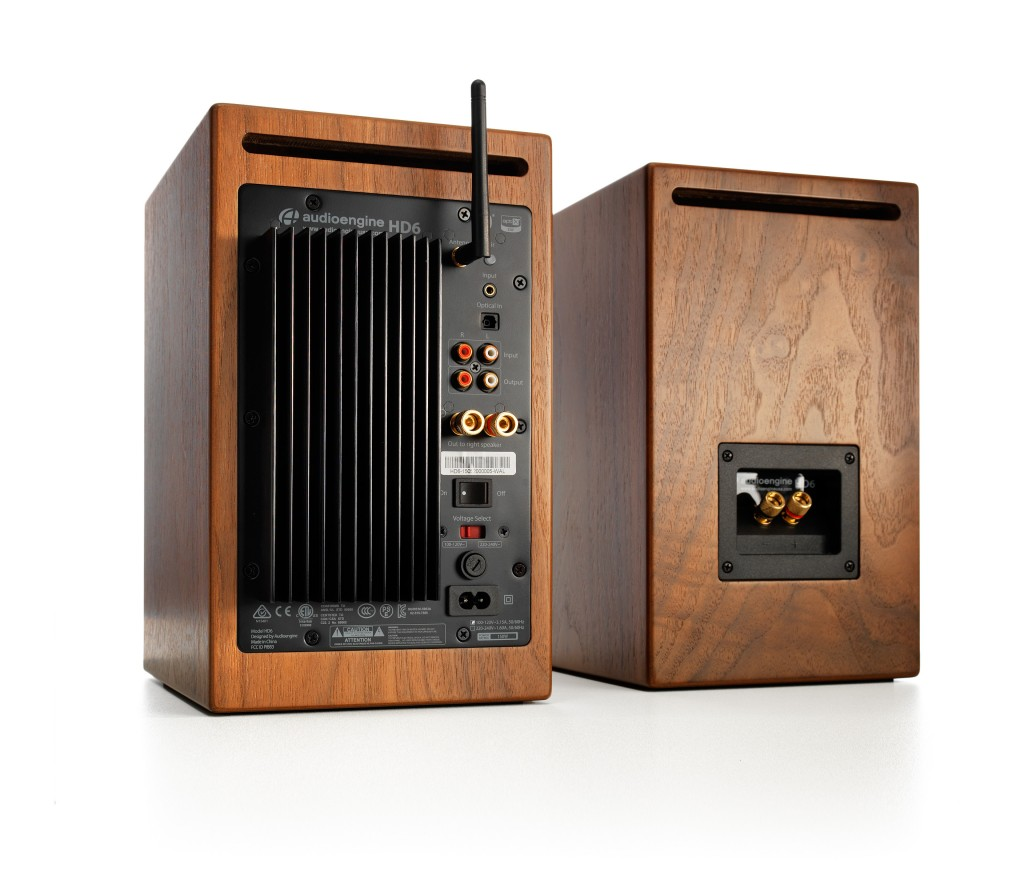 Ae_HD6-walnut-rear