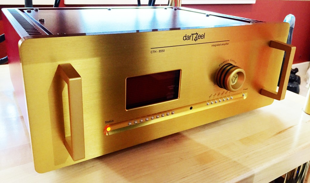 darTZeel CTH-8550 integrated amp
