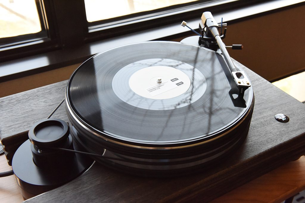Pear_Audio_Blue_Turntable_DSC_0780
