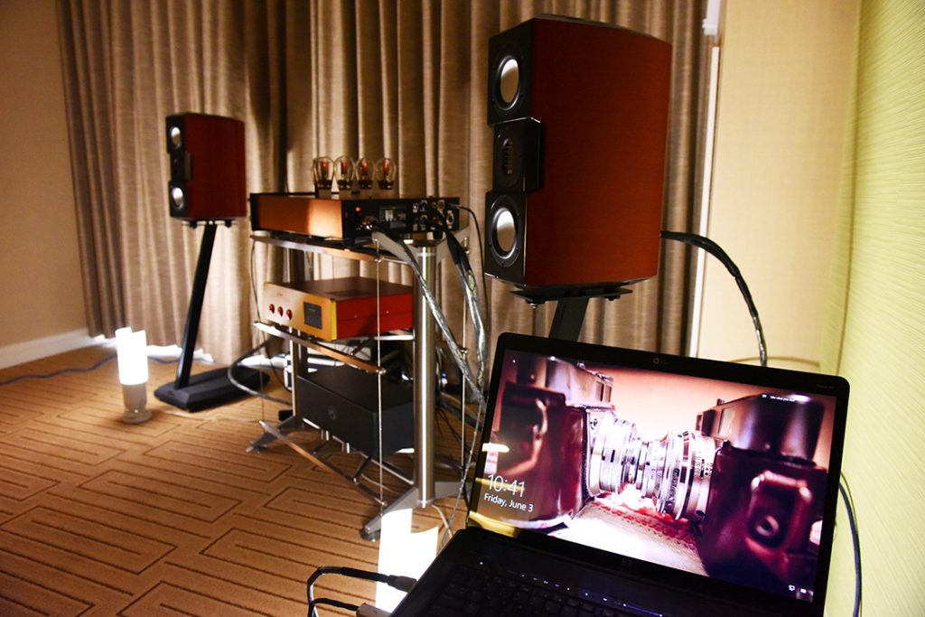 Positive_Feedback_room_view_from_the_pilots_seat_DSC_1078