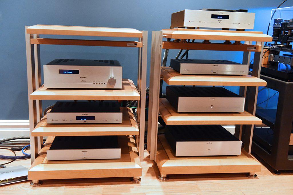 Audionet_electronics_source_racks_DSC_1670