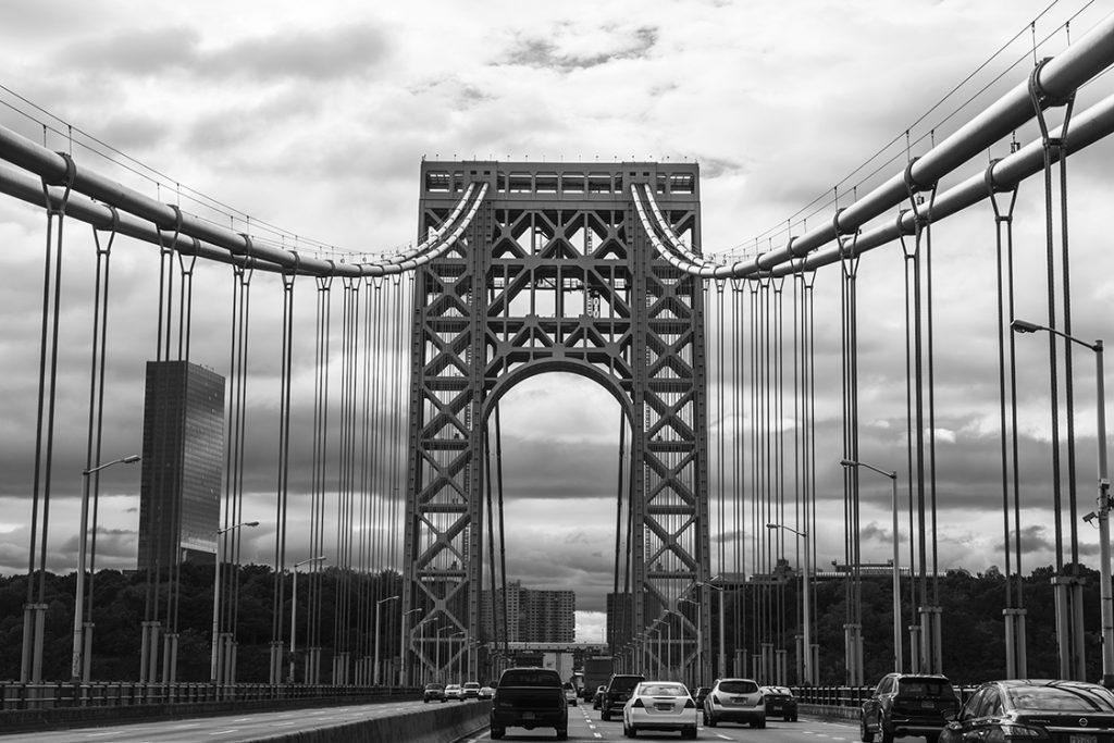 Bridge_New_York_City_NY_2016_clarity+75_sat+20_B+10_C+20_zone_pavement_B+20_left_B+30_right_BW_DSC_1631_web