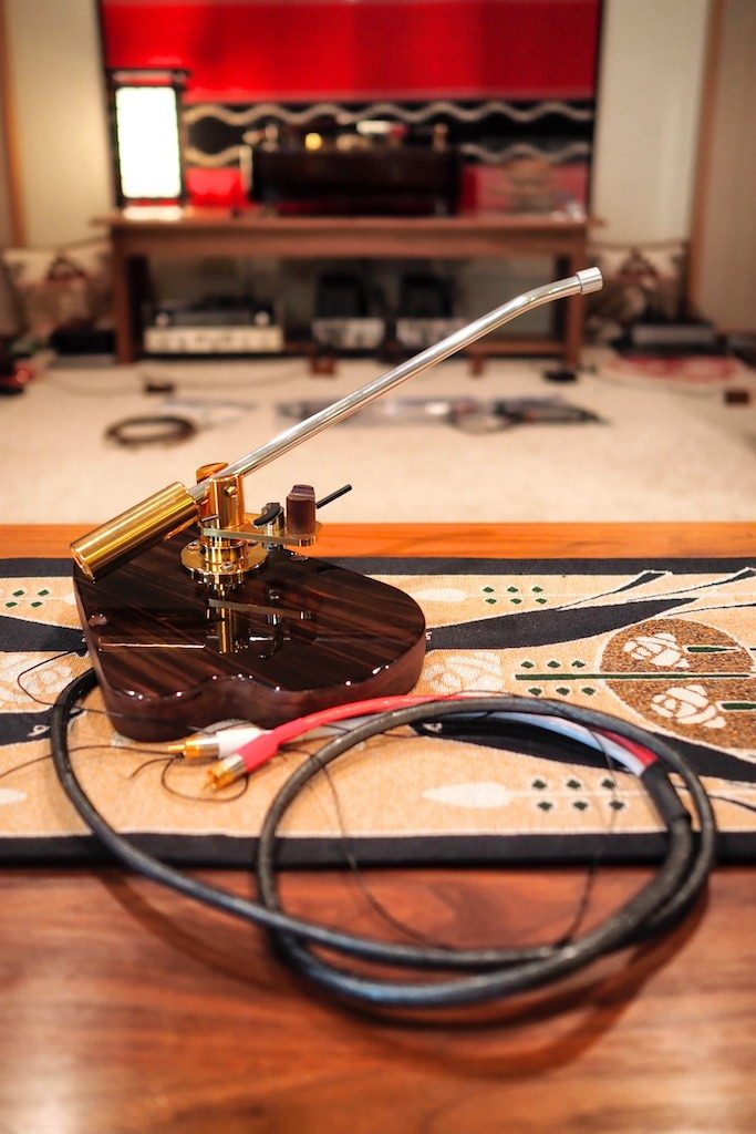 Schick tonearm rewired with 'Woody wire'.
