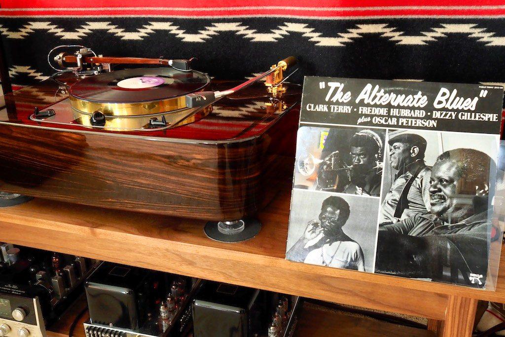 The Woody SPU Tonearm & The Alternate Blues album.