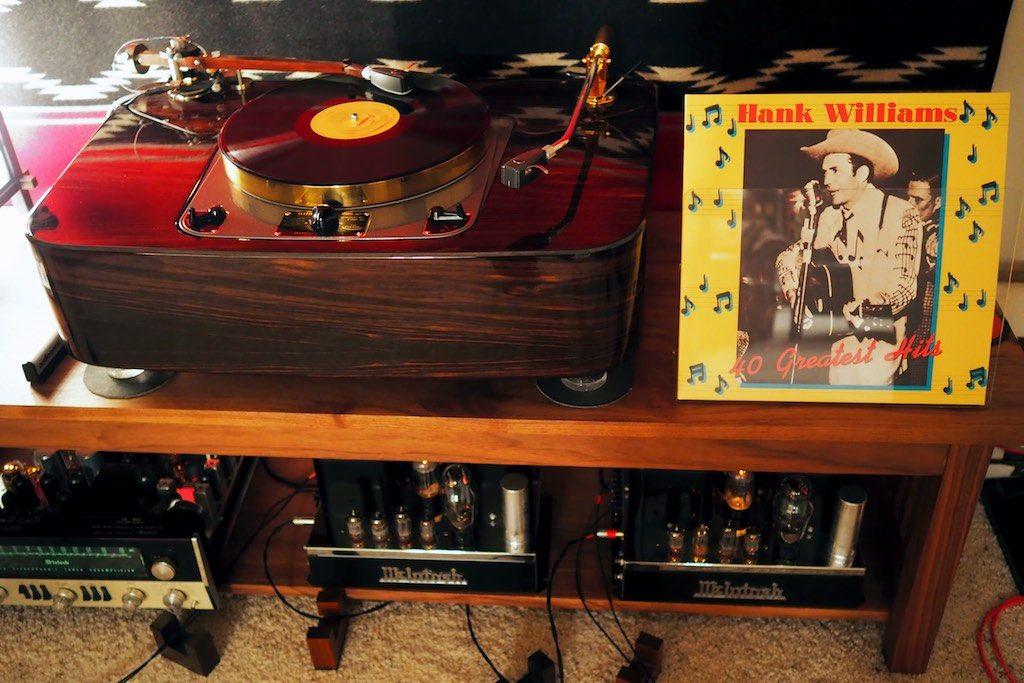 Hank Williams 40 Greatest Hits.