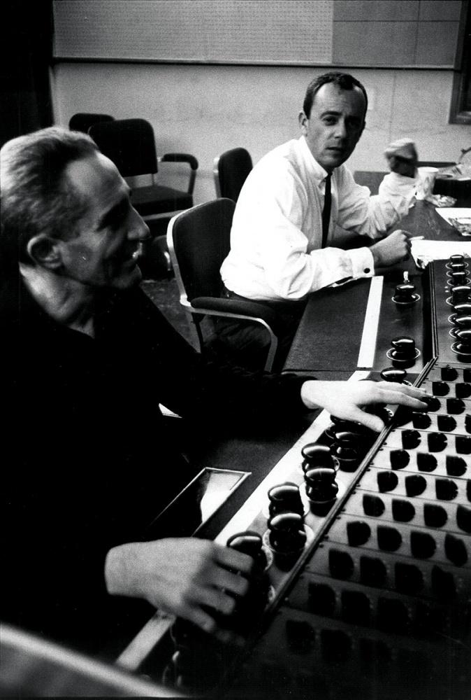 Frank Laico - Columbia - vintage console