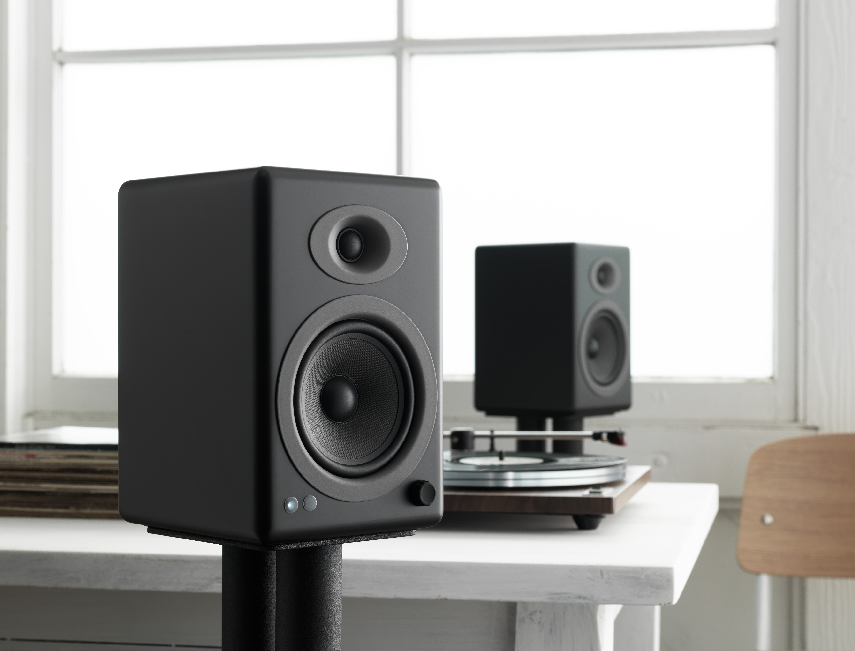Audioengine A5+ Wireless Powered Loudspeakers