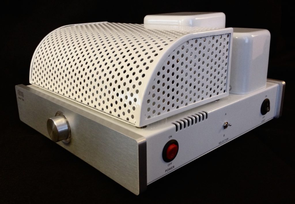 The Neoteric Listener - The GLOW Audio Amp Two