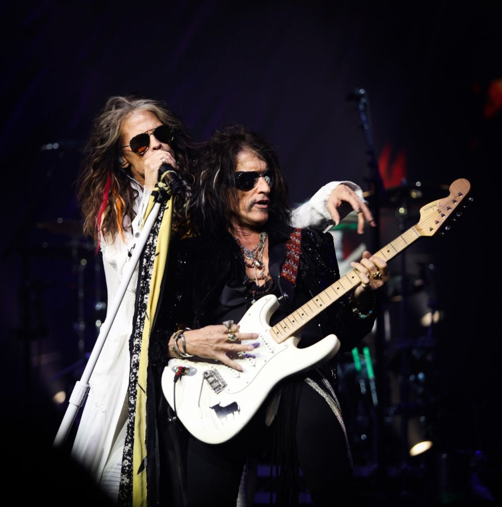 Aerosmith: Deuces are Wild featuring 1More Triple Driver In-Ear Headphones