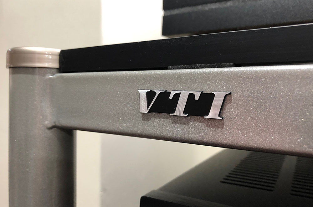 VTI audio equipment rack